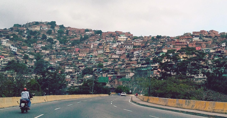 Perseverança de UPSers ajuda a alimentar venezuelanos desalojados